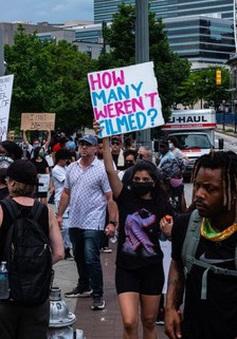 Bất đồng trong xử lý vụ việc, nhiều cảnh sát Mỹ xin rời bỏ lực lượng