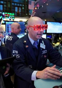 Thất nghiệp tăng cao, chứng khoán Mỹ lao dốc
