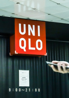 """Tập đoàn mẹ của Uniqlo """"vượt bão"""" COVID-19 nhờ thị trường châu Á"""