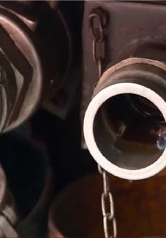 Tràn lan điểm kinh doanh xăng dầu trái phép trong khu dân cư