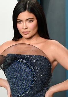 Kylie Jenner bị tước danh tỷ phú vẫn là ngôi sao có thu nhập cao nhất thế giới năm 2020