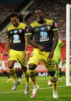 Man Utd 2-2 Southampton: Đánh rơi chiến thắng phút bù giờ, Man Utd lỡ cơ hội vào top 4