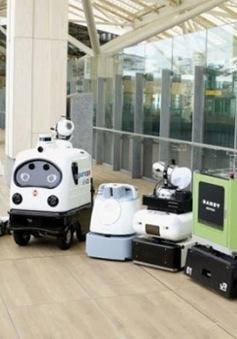 Nhật Bản thử nghiệm robot diệt khuẩn tại ga tàu