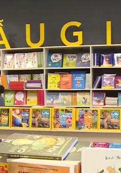 """Sách giả """"đắt như tôm tươi"""", sách thật lại ế ẩm"""