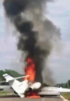 Mexico: Tự đốt cháy máy bay khi bị phát hiện chở hàng trăm kg ma túy