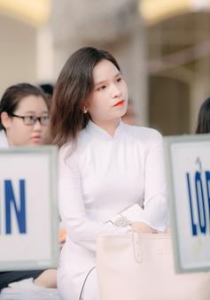 Mừng mừng tủi tủi khoảnh khắc học sinh THPT Chu Văn An rời ghế nhà trường