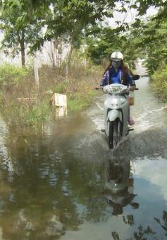 Sau mưa khu dân cư chìm trong nước