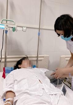 Cứu kịp thời 2 người bệnh bị kẹt van nhân tạo do huyết khối