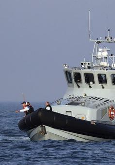 Anh tăng cường biện pháp hạn chế người di cư trái phép qua eo biển Manche