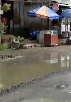 Đường bộ ngập như sông tại Cần Thơ