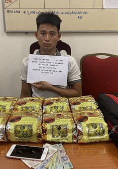 Bắt giữ đối tượng vận chuyển 10kg ma tuý đá từ Nghệ An ra Hà Nội
