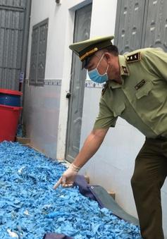 Bình Dương: Thu giữ 21 tấn găng tay y tế đã sử dụng