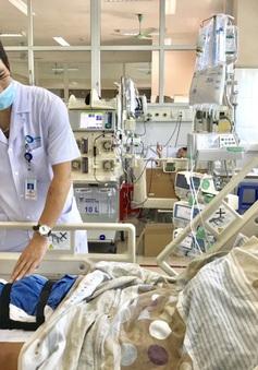 Thay động mạch khoeo bảo tồn chân cho bệnh nhân bị tai nạn giao thông