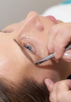 Những sai lầm khi chăm sóc lông mày khiến bạn trông già hơn tuổi