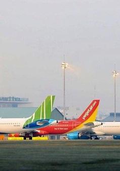Ngành hàng không Việt Nam: Khó khăn chồng chất khó khăn