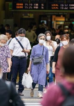 """""""Cái giá"""" Nhật Bản phải trả cho việc chủ quan trước COVID-19"""