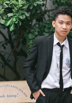 Nam sinh Hà Nội là thủ khoa, đỗ 6 lớp chuyên