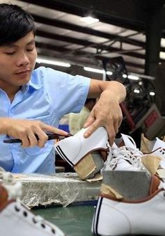 Đơn hàng sụt giảm, xuất khẩu giày dép 7 tháng rời top 10 tỷ USD