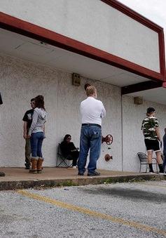 Số người xin trợ cấp thất nghiệp tại Mỹ giảm xuống mức thấp nhất từ tháng 3