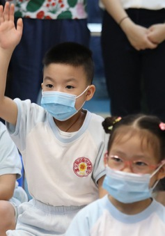 Số học sinh cận thị ở Trung Quốc tăng sau nửa năm học trực tuyến