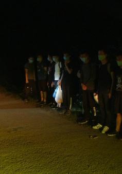 Bắt nhóm đối tượng đưa người Trung Quốc xuất cảnh trái phép khỏi Việt Nam