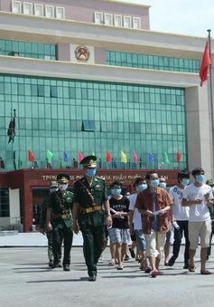 Trao trả 113 công dân Trung Quốc nhập cảnh trái phép