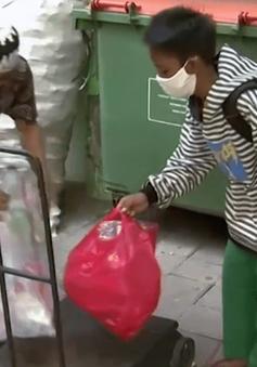 Đổi rác thải nhựa lấy kết nối Internet để học trực tuyến