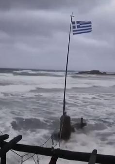 Bão Ianos gây lũ lụt, tê liệt giao thông tại Hy Lạp
