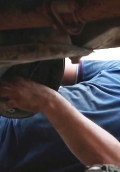 Khi người khiếm thị làm thợ sửa ô tô