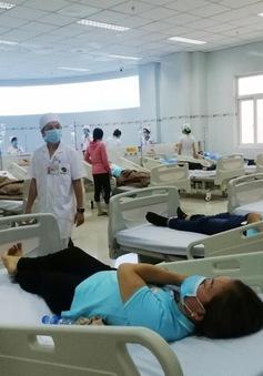 Hàng chục công nhân nhập viện nghi ngộ độc thực phẩm