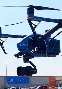 Dùng máy bay không người lái giao kit xét nghiệm COVID-19 để tránh tiếp xúc