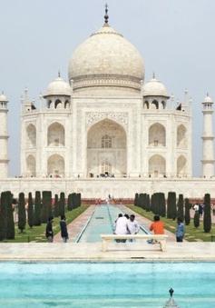 Taj Mahal mở cửa bất chấp số ca nhiễm COVID-19 tăng mạnh