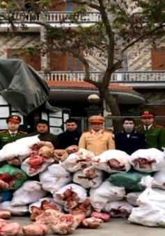 Bắt giữ hơn 2 tấn thịt gà không rõ nguồn gốc
