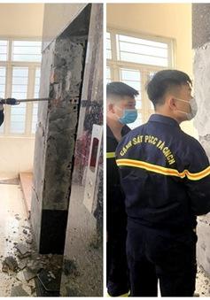 Thợ bảo trì thang máy rơi xuống khe thang tử vong