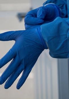 Nga đang điều tra việc Moscow bị cung cấp găng tay đã qua sử dụng