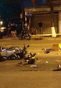 Xe máy vượt đèn đỏ gây tai nạn kinh hoàng, 5 người thương vong