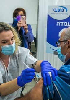 Hàng trăm người dân Israel mắc COVID-19 dù đã tiêm vaccine