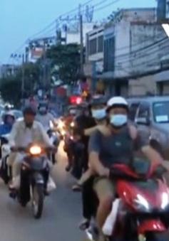 Đường Trường Chinh (TP Hồ Chí Minh) ùn tắc giờ tan tầm
