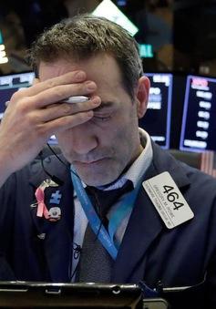"""Dow Jones giảm hơn 600 điểm trước nỗi lo """"bong bóng"""" vỡ tung"""