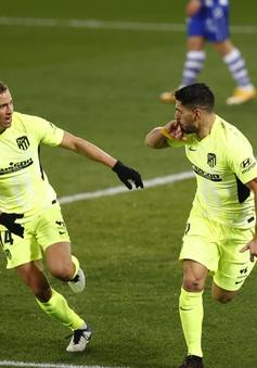 Deportivo Alaves 1-2 Atletico Madrid: Luis Suarez lập công phút cuối, Atletico vững ngôi đầu