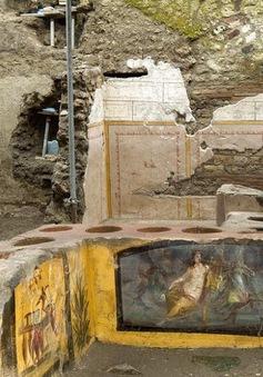 """Phát hiện """"quầy bar"""" cổ đại gần 2000 năm tuổi"""
