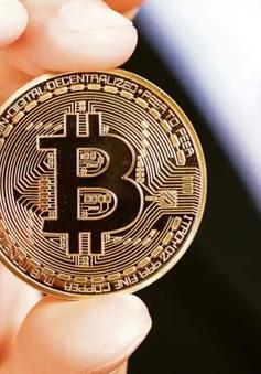 Bitcoin áp sát ngưỡng kỷ lục