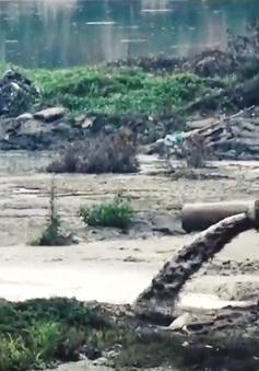 Hàng trăm cơ sở, nhà máy giấy ngang nhiên xả thải ra sông