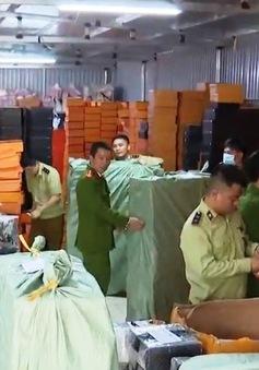 Thu giữ hàng chục nghìn túi giả nhãn hiệu nổi tiếng