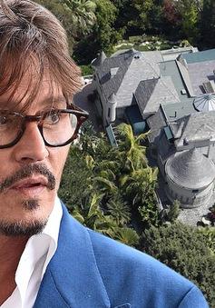 Kẻ đột nhập nhà Johnny Depp lấy rượu uống và ... đi tắm
