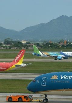 """""""Cháy"""" vé máy bay dịp 30/4 - 1/5, khách đổ xô tới các điểm du lịch"""