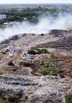 Bãi rác lộ thiên gây ô nhiễm ở Tiền Giang