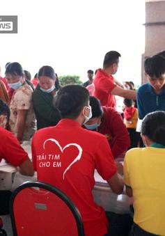Trái tim cho em khám sàng lọc tim bẩm sinh cho gần 2.100 trẻ tại Gia Lai