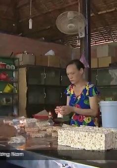 Thú vị nghề rang cốm gạo