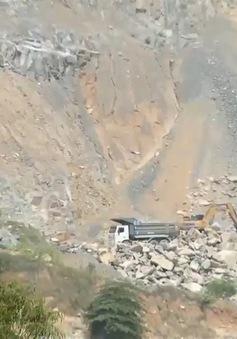 Xe chở đá gây ô nhiễm khu dân cư
